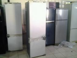 A Bosch built in fridge needs repairing