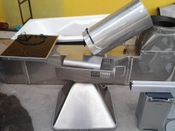 Cooking hood with extractor