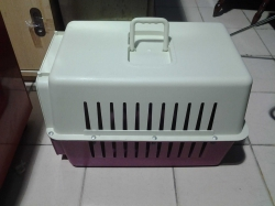 Traveling pet cage