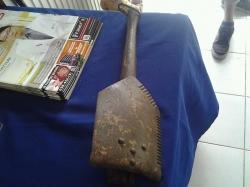 Army shovel
