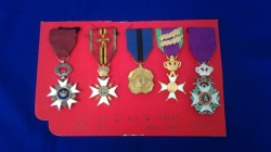 Old ww2 and ww1 medals real