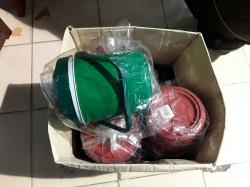 8 Ice buckets