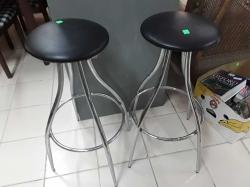 A psir of bar stools