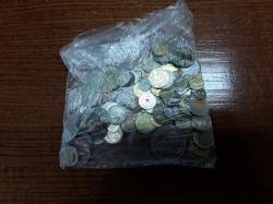 100 mixed world coins