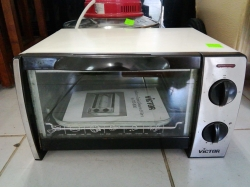 Victor small electrical grill/oven
