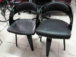 2x chairs