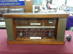 Antique radio and working