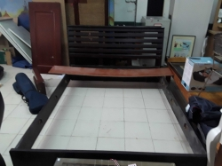 Queen Bed size 5ft.