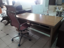 Office desk set with chair