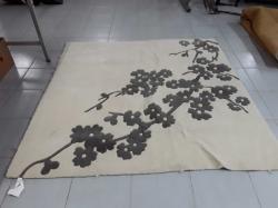 Lovely carpet size 150x148 cm.