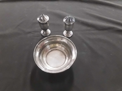 Silver salt and pepper