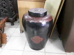 Large vase with lid