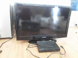 TV 32 inch and DVD player with remote