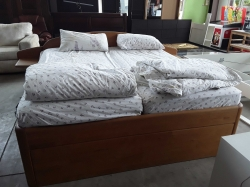 King size bed with mattress 2 pollows and bed cover