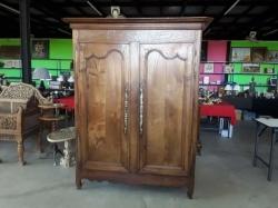 Large Oak cupboard with 1 key size 138x190x56 cm.