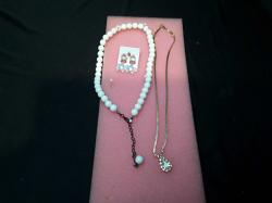 2 Pendants (artificial pearls / Zircons ) + earrings